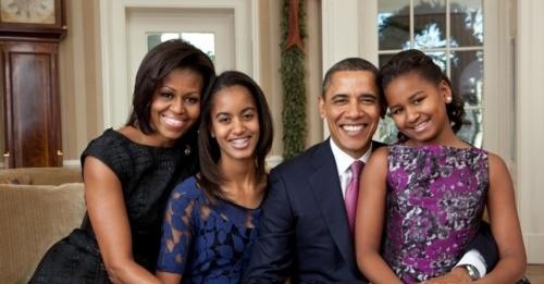 17jan2014---a-familia-obama-retratada-antes-de-um-jantar-em-2011-1389960951891_956x500